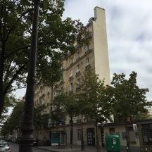 A very narrow Parisian building