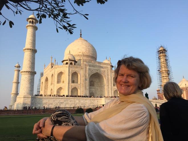 Lynnell at Taj Mahal